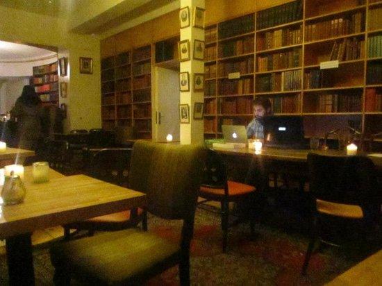 Paludan's Book & Cafe: Atmosfera magica
