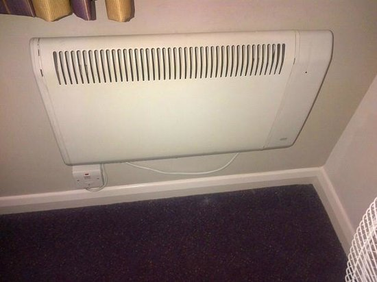 Premier Inn Blackpool (Beach) Hotel: Heater