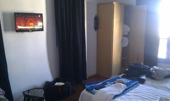 Hotel Alkhalifa: chambre
