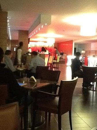 Sheraton Milan Malpensa Airport Hotel & Conference Centre: in the Bar area, service was not the best.