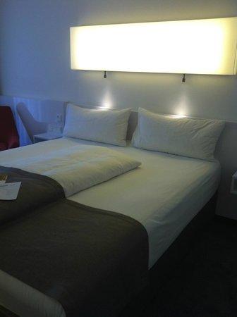 DORMERO Hotel Frankfurt: room