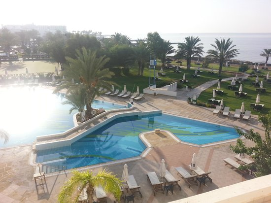 Constantinou Bros Athena Royal Beach Hotel : View of pool from bedroom