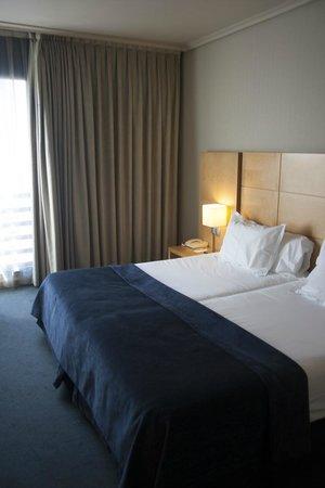 Silken Hotel Ciudad de Vitoria: dormitorio