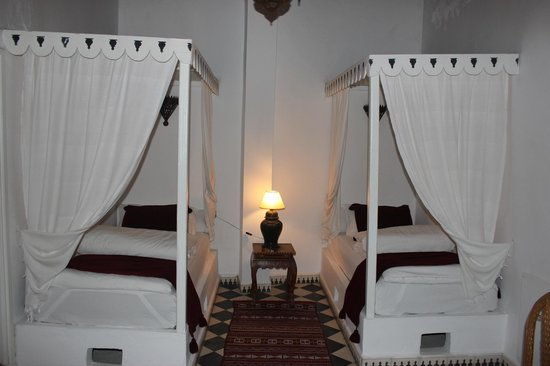 Villa Maroc: Our twin beds.