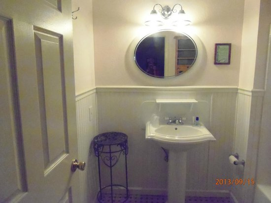 Canyon Country Inn Bed & Breakfast: Baño