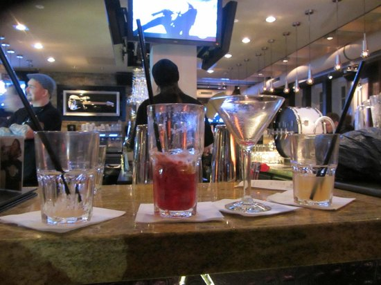 Hard Rock Cafe: Lady*s Night