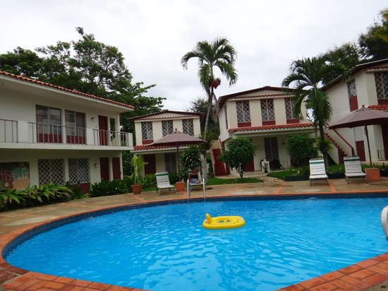 Tropix Hotel : View of some of the bungalows