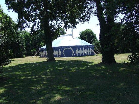 Yelloh! Village L'Océan Breton : air conditioned circus tent