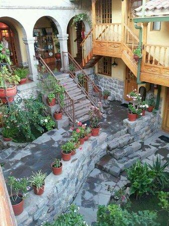 Amaru Colonial : En el balcón