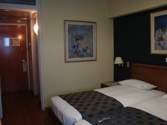 Titania Hotel: Quarto