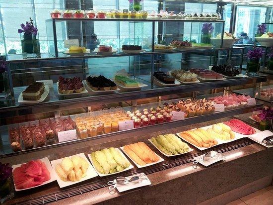 Melba Restaurant: Dessert Station...part of