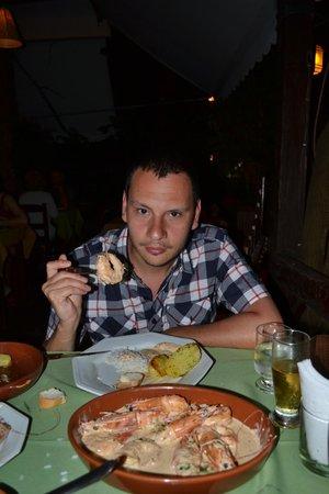 Dom Mario: camarones con salsa