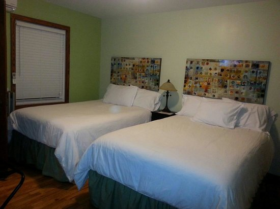 Wagon Wheel Motel: Best beds ever!