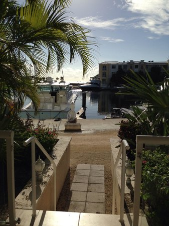 Mariner's Resort Villas & Marina : Back door!!