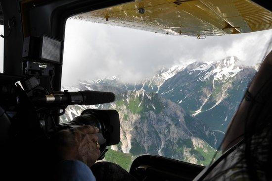 Jimmie Jack's Alaska Lodge : Fly-in Photo Op