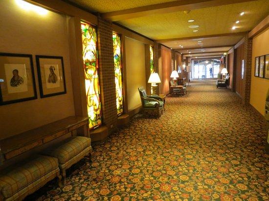 Little America Hotel Flagstaff: Common area