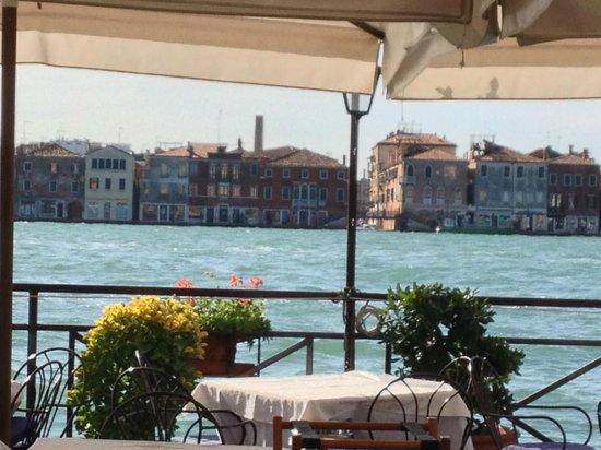 Pensione La Calcina: Terrace dining