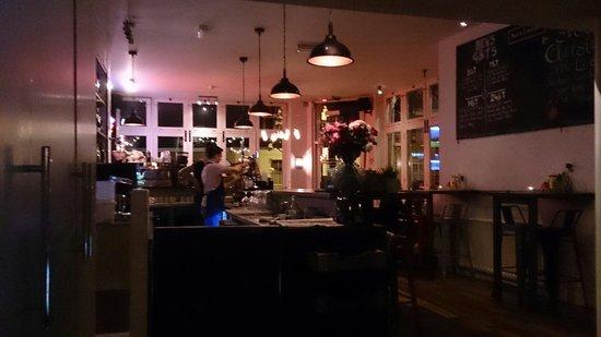 Ben's Canteen: Inside the cafe/restaurant