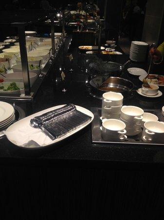XO Hotels Park West : buffet ristorante