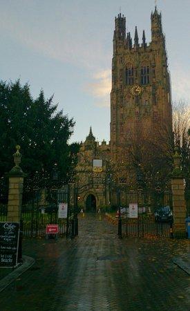 St Giles Parish Church: St Giles