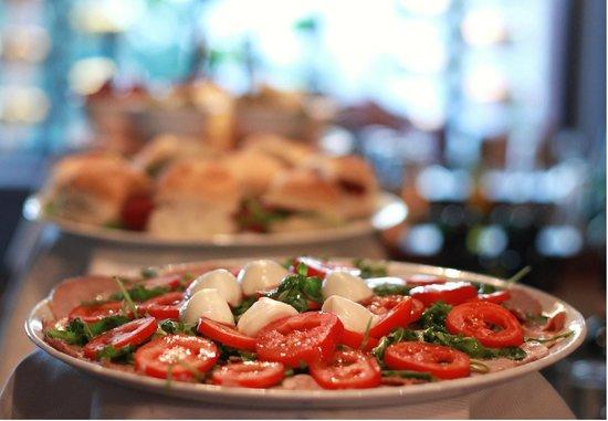 Les tapas en buffet picture of la loca menton for Sideboard loca