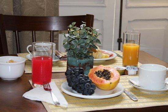 Hotel Grao Para: Café da manhã...muito bom !