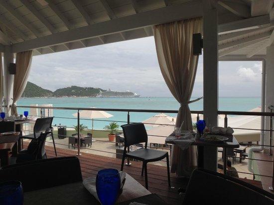 Sonesta Great Bay Beach Resort, Casino & Spa: Vista desde el buffet