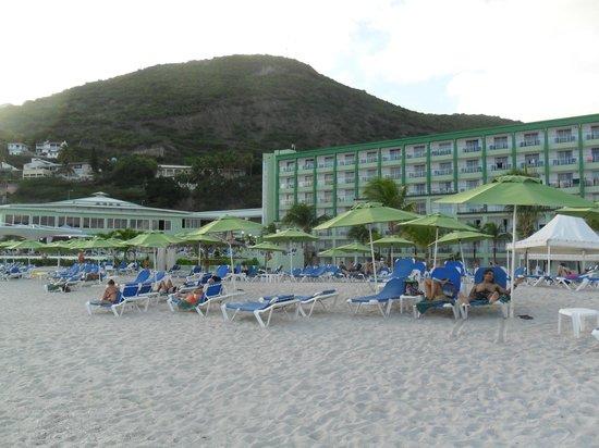 Sonesta Great Bay Beach Resort, Casino & Spa: Playa Sonesta Great y vista hotel
