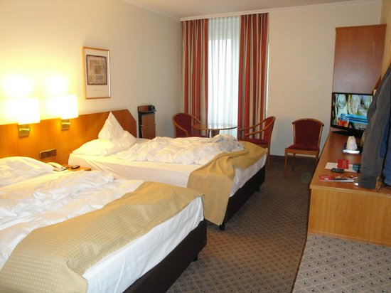 Leonardo Hotel Aachen: Vista camera dall'ingresso