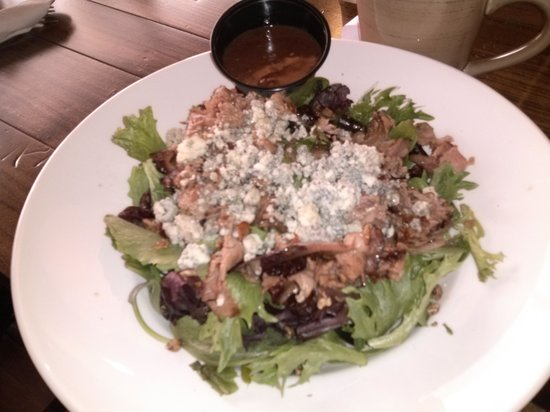 Clam Lake Beer Company: Prime Rib Blue Salad