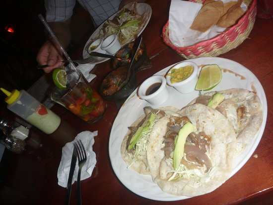 Mateo's Mexican Grill : Best fish tacos on Earth!