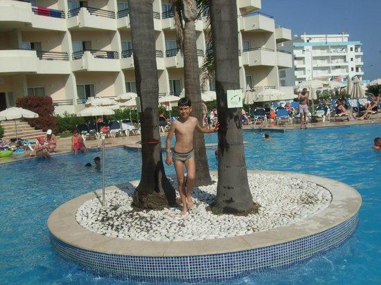 Vila Galé Náutico : piscina exterior