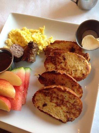 Golden Eagle Inn : Breakfast!