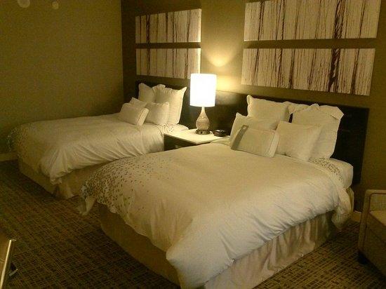 Renaissance Atlanta Waverly Hotel & Convention Center: Room Beds