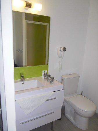 Hotel Restaurant La Source: La salle de bain