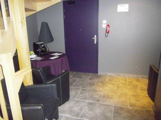 Hotel Restaurant La Source: L'entrée de la partie Hôtel