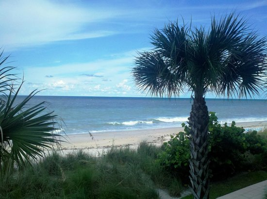 Costa d'Este Beach Resort & Spa: Beachfront