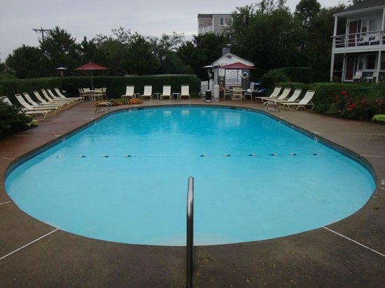 The Seaglass Inn & Spa: Outdoor pool