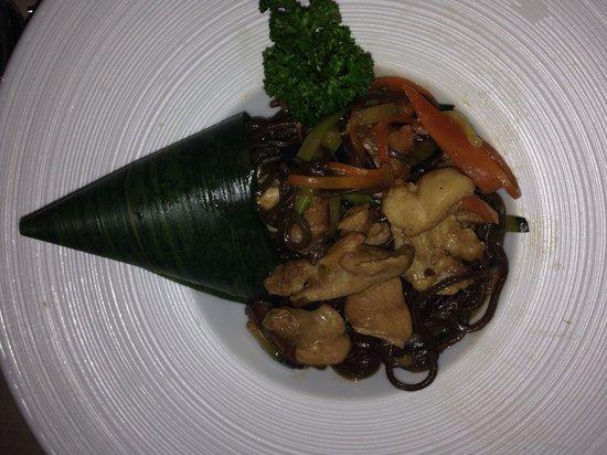 Hana Restaurant : Noodles di grano saraceno con verdure e pollo... Amazing!! ������