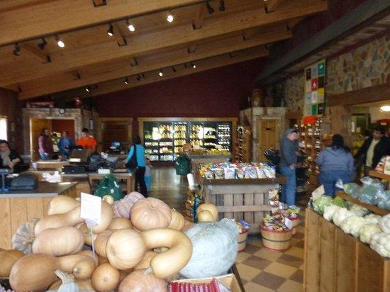 Milburn Orchards: Milburns remodeled market