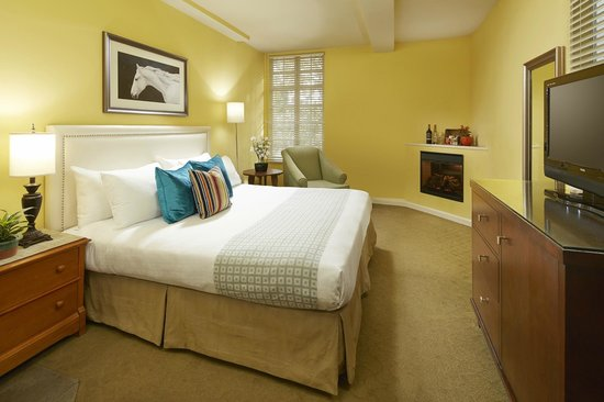 Wine Valley Inn & Cottages: Village King