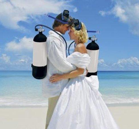 Freedom Divers Phuket: UW Marriage Proposal