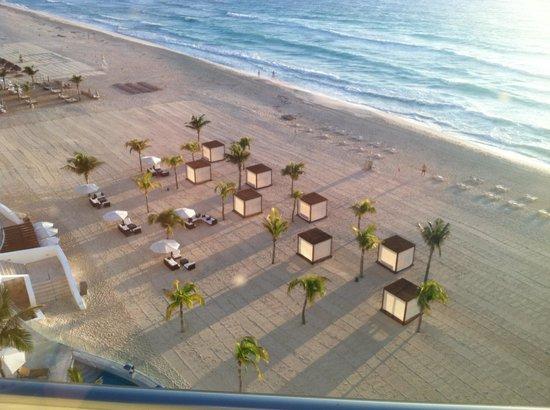 Le Blanc Spa Resort: Cabanas on the beach