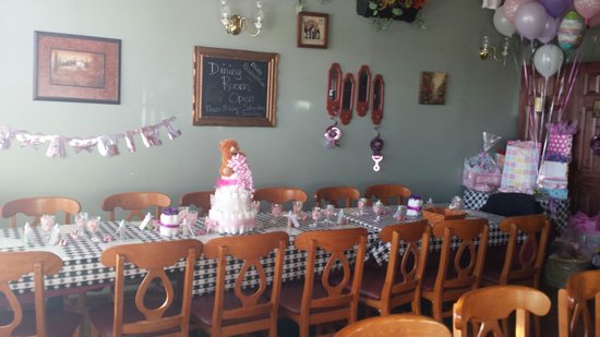 Dellu0027Amore Pizzeria And Spaghetti House: Dining Room Set Up For Baby Shower.