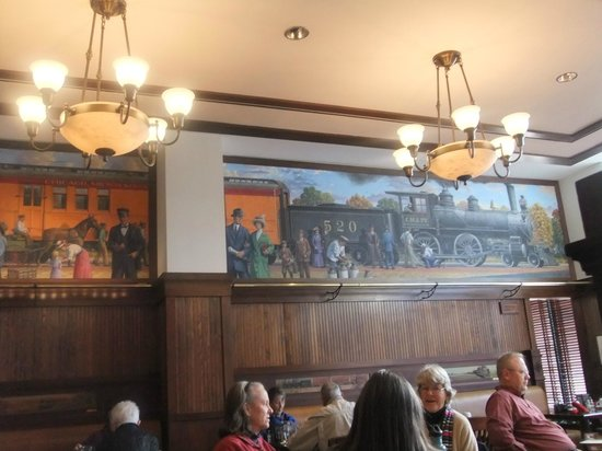 Hotel Pattee: Mural in the dining room
