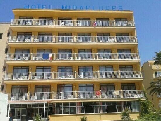 Hotel Amic Miraflores: La vista dell'hotel dalla piscina