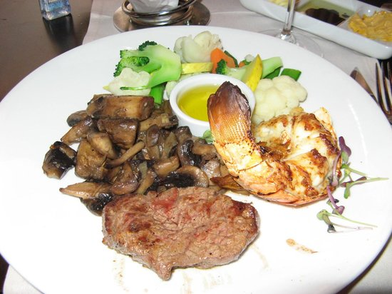 L.G. Smith's Steak & Chop House : Filet Mignon and Lobster