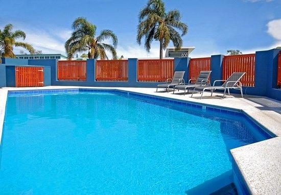 East Port Motor Inn: Salt Water Swimming Pool
