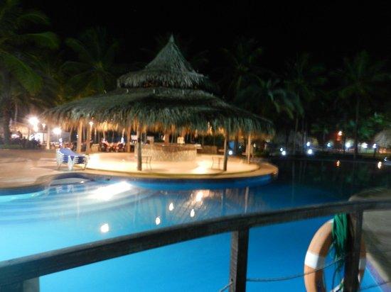 Isla Caribe Beach Hotel: bar