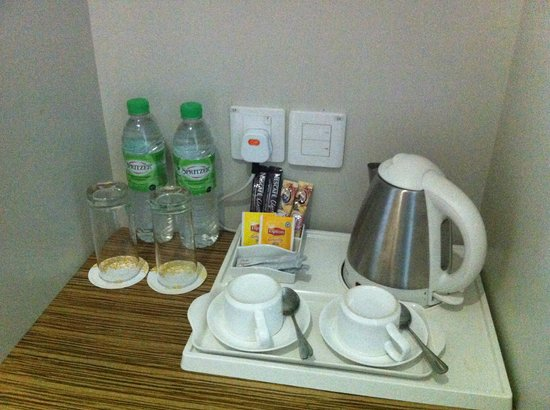Ixora Hotel: coffee maker facilities
